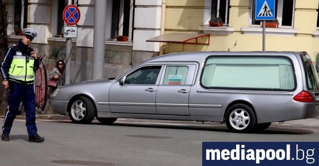 Погребални агенции протестираха в центъра на София с шествие от