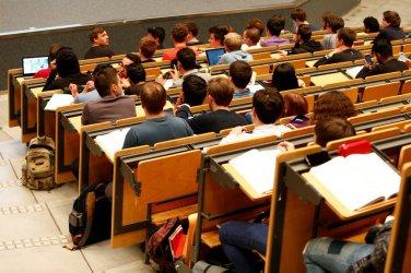 Великобритания ще ограничи приема в университетите