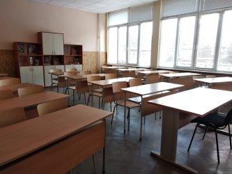 Училищата може да останат затворени поне до 13 април