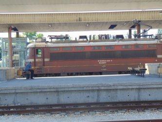 БДЖ търси да наеме 10 локомотива за 3 години срещу 25.6 млн. лв.