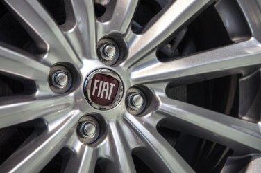 """""""Фиат"""" се готви да отвори три завода в Италия"""
