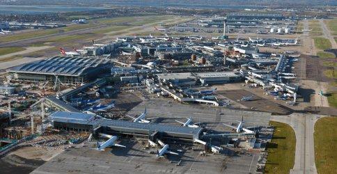 Най-натовареното летище в Европа затваря писта заради спада на полетите