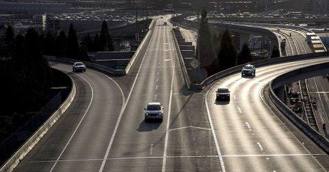 Застрахователи в САЩ връщат на шофьорите пари заради вируса