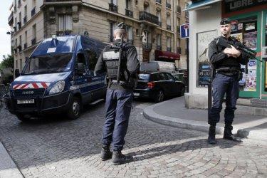Трима суданци са задържани заради съботното нападение с нож във Франция