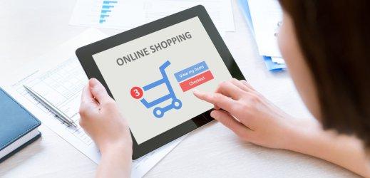 """Онлайн търговци започват яростна """"битка на намаленията"""""""