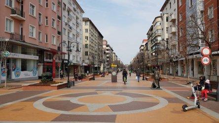 МВР може да глоби за разходка в парка, но не и за ходене по улицата