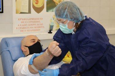 Гешев поведе акция по кръводаряване