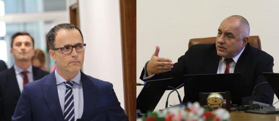 Премиерът уволни Стоян Мавродиев и целия борд на Банката за развитие