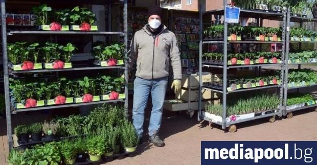 Цветарските магазини в Италия могат да отворят и да продават