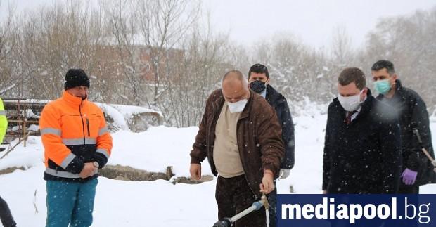 Макар и официално режимът на водата в Перник да бе