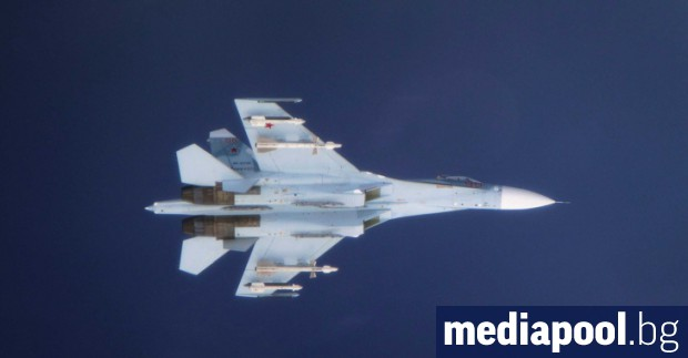 Руски изтребител Су-27 изчезна по време на полет над Черно