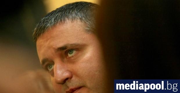 Министърът на финансите Владислав Горанов обясни, че не е визирал
