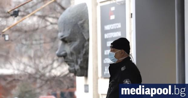 Жена на 48 години с коронавирус е починала днес в