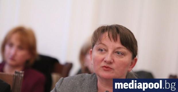 Социалното министерство е възложило тълкуване на приетите от депутатите в