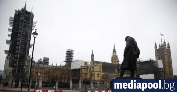 Обратът в Обединеното кралство по въпроса за коронавируса вече придобива