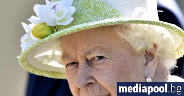 Британската кралица Елизабет Втора ще направи изключително рядко обръщение към