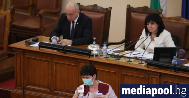 Мнозинството в парламента одобри удължаването на извънредното положение до 13