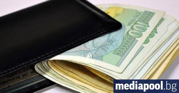 Президент, премиер и депутати получават по-високи заплати от 1 април.