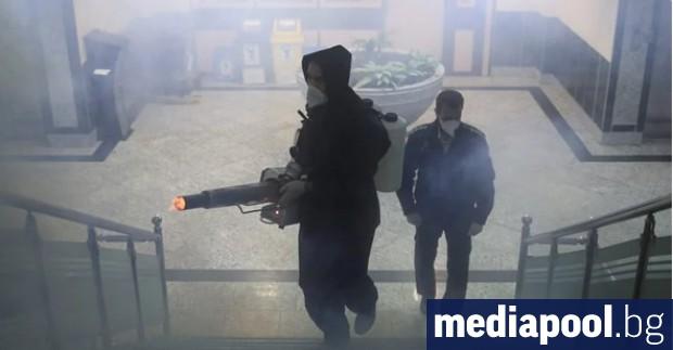 Иранските медии съобщават, че досега близо 300 души са починали,