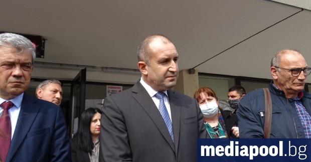Президентът Румен Радев призова средствата, които държавата ще вземе в