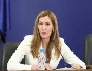 Ангелкова е оптимист за късен летен сезон на атрактивни цени