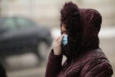 Върховният съд е затрупан от жалби срещу задължителните маски