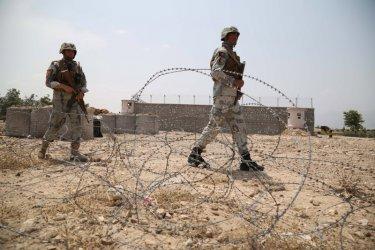 Военни загинаха при взрив на кола бомба в Афганистан