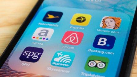 Airbnb уволнява 1900 служители