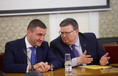 """Цацаров се обяснява пред """"Репортери без граници"""" за делата срещу Прокопиев"""