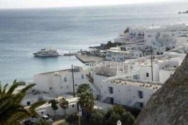 Гърция започва да посреща чужди туристи от 15 юни