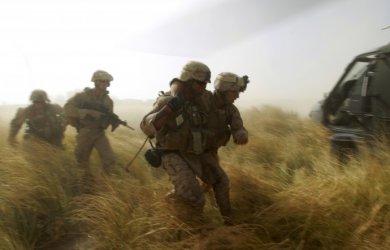 Тръмп се закани да изтегли всички американски войници от Афганистан