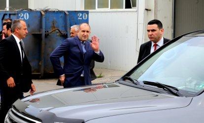 Радев: Ако управлявах, нямаше да се краде; Борисов: При неговата партия мрат повече