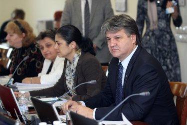 Бивши от ВСС съжалиха, че са избрали Лозан Панов и поискаха оставката му