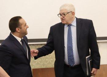Емил Караниколов: Не ми е работа да казвам на Банката за развитие на кого да раздава кредити