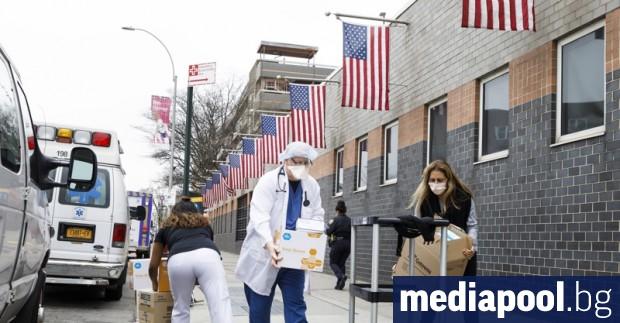 Съединените щати прехвърлиха прага от 100 000 починали носители на