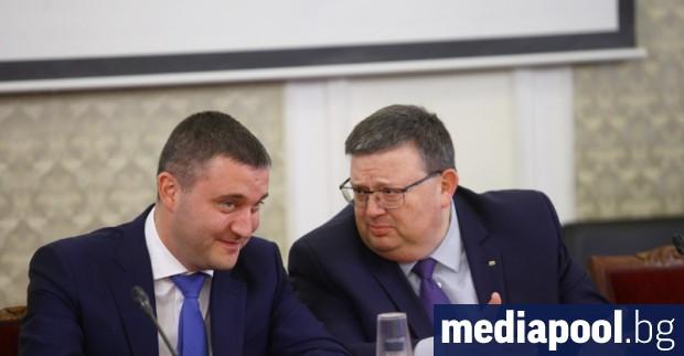 Шефът на антикорупционната комисия КПКОНПИ Сотир Цацаров е изпратил писмо