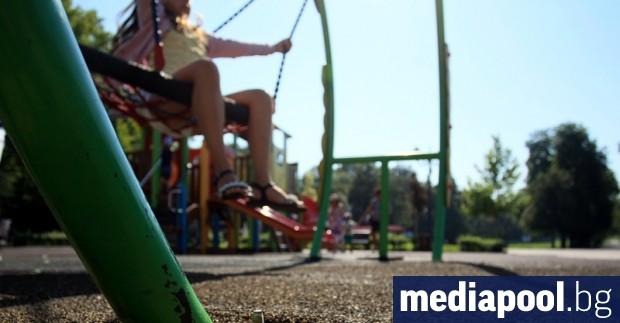Броят и капацитетът на столичните детски градини расте, но приетите