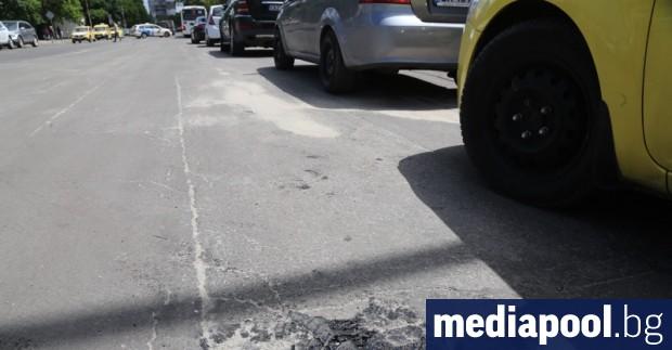 Фирмата ДЛВ, която поддържа разтопилите се улици в столичния район