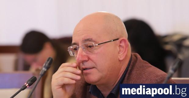 Екоминистърът Емил Димитров-Ревизоро е останал без служебен компютър след прокурорската
