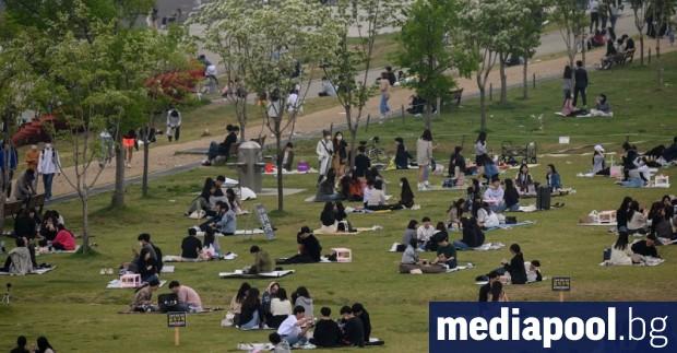 Южна Корея ограничи днес броя на учениците в училищата и