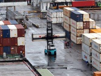 Пандемията сви българския износ с 8.8% през март