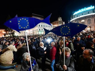 """Италианските """"сардини"""" остават готови за борба срещу крайната десница въпреки пандемията"""