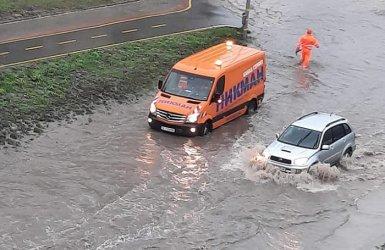 Варна, дъжд втори: Улиците пак са реки
