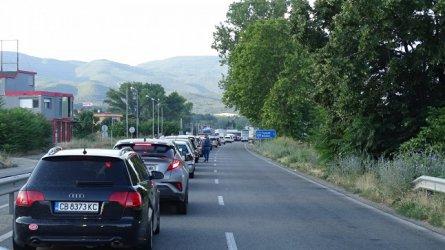 Опашки на границата с Гърция и Румъния