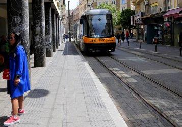 Градският транспорт в София още страда от липса на пътници