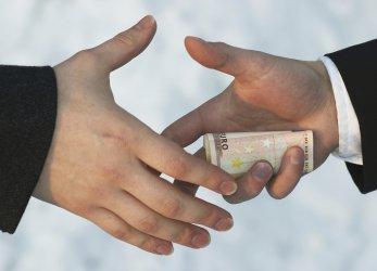 Мнозинството българи вярват, че корупцията се увеличава