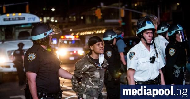 Едноседмичен полицейски част в Ню Йорк, точно строго определен полицейски