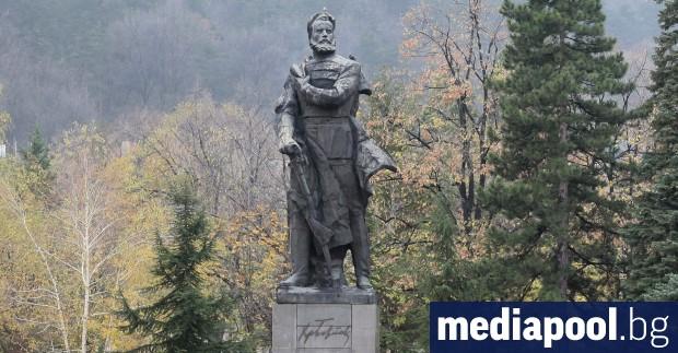 На 2 юни България паметта на Христо Ботев и загиналите
