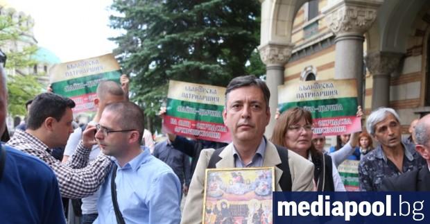 Генералния директор на Българската национална телевизия (БНТ) Емил Кошлуков да