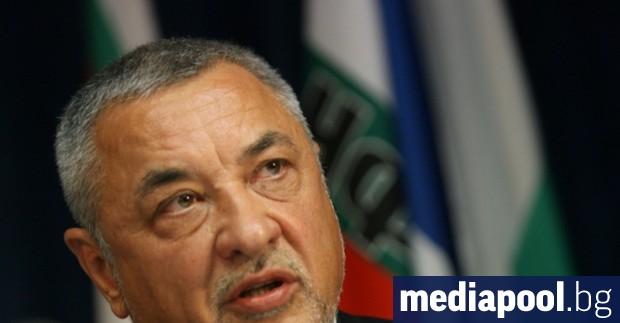 Лидерът на НФСБ Валери Симеонов обяви, че Васил Божков е